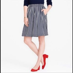 Size 8 pinstripe skirt with pockets